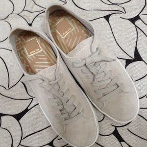 Dolce Vita softest sneakers 8 1/2